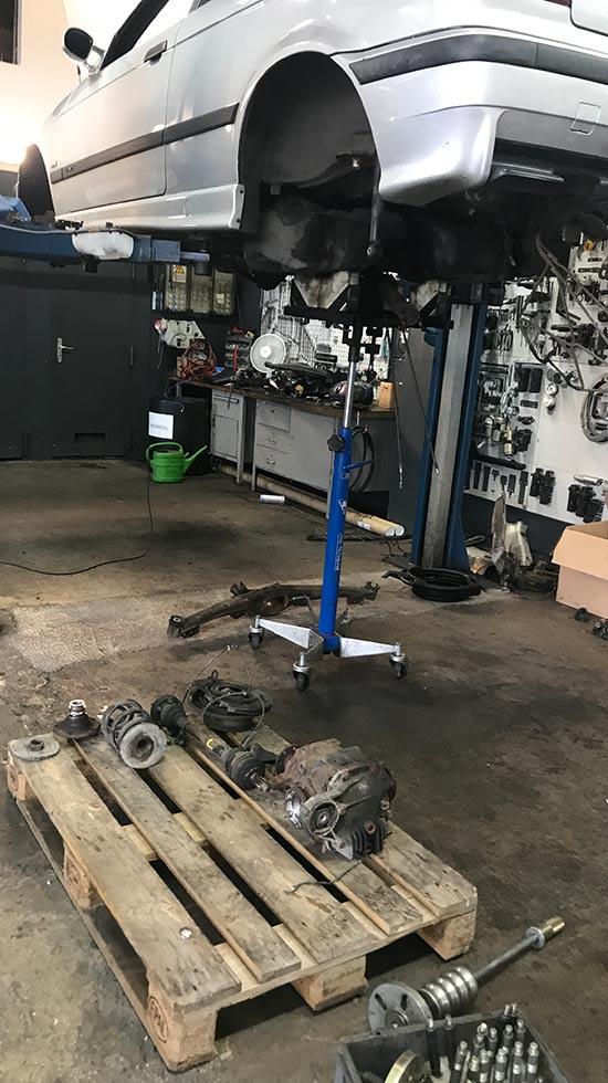 Werkstatt Impressionen BMW & MINI Reparaturen Tuning - Autohaus Hagl
